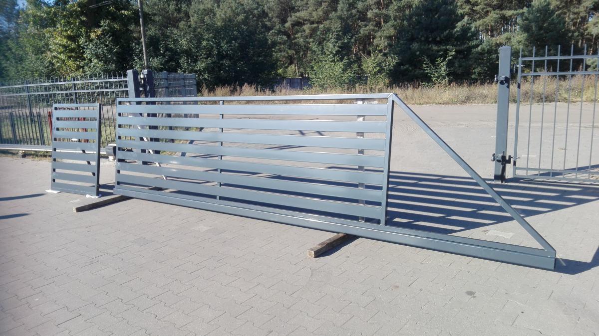Schiebetore Metallzäune und Schmiedeeiserne Zäune aus Polen TREZA